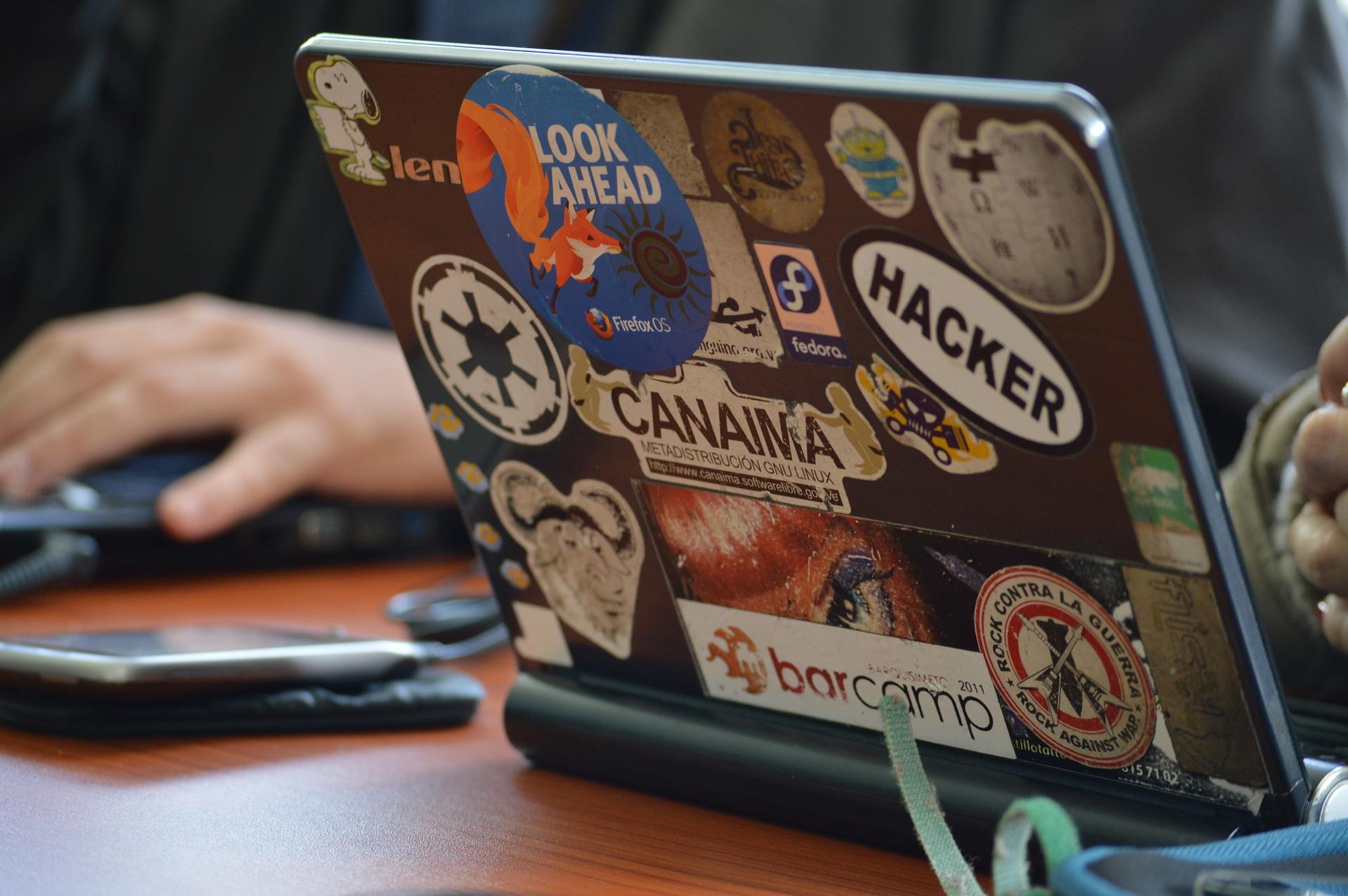 hacker 1569744 1920